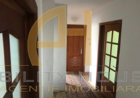 Apartament 4 camere, zona Pietonalul Transilvaniei, Botosani